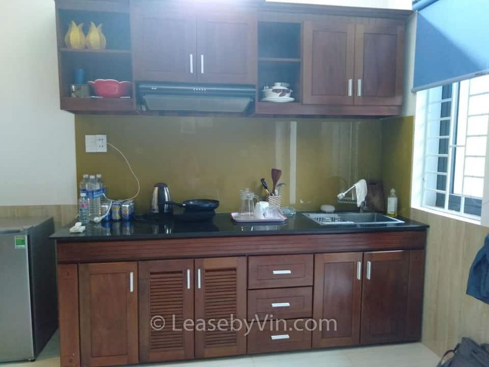 LeaseByVin- kitchen1